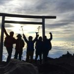 豚汁が美味しい山小屋に1泊して3776mの富士山頂へ